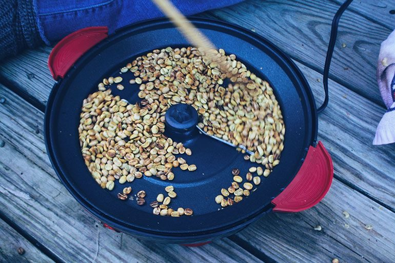 how to roast coffee beans at home Photo Credit: Rich Bowen https://www.flickr.com/photos/rbowen/8170220792
