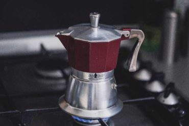 how to use moka pot